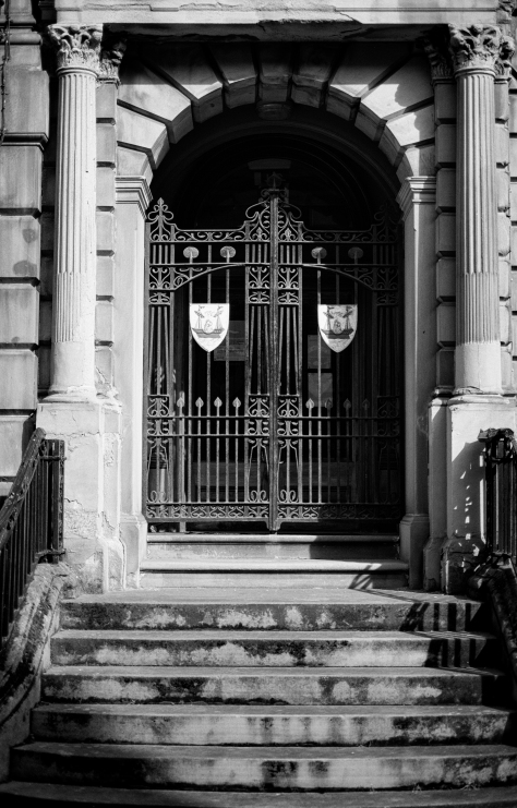 Crested Gates, Leith. Photo by and copyright of Paul Henni.
